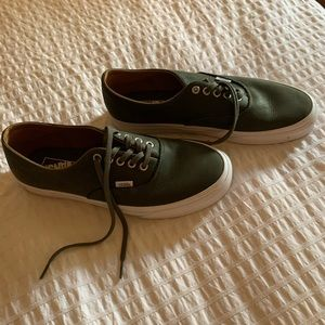 NWOT OS Natural Grain Leather Vans Authentic